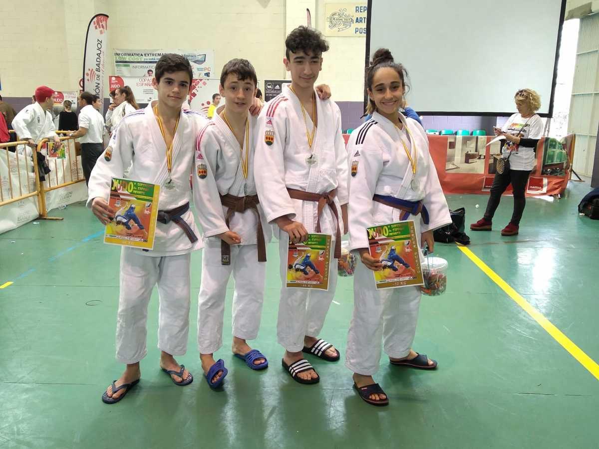 Un oro, una plata y tres bronces en Montijo y excepcional actuación en liga