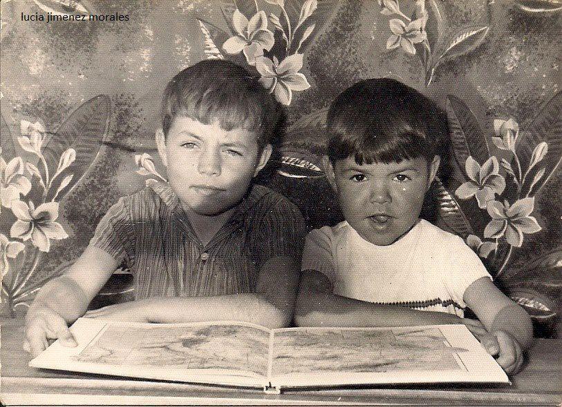 Niños en el colegio de Badolatosa