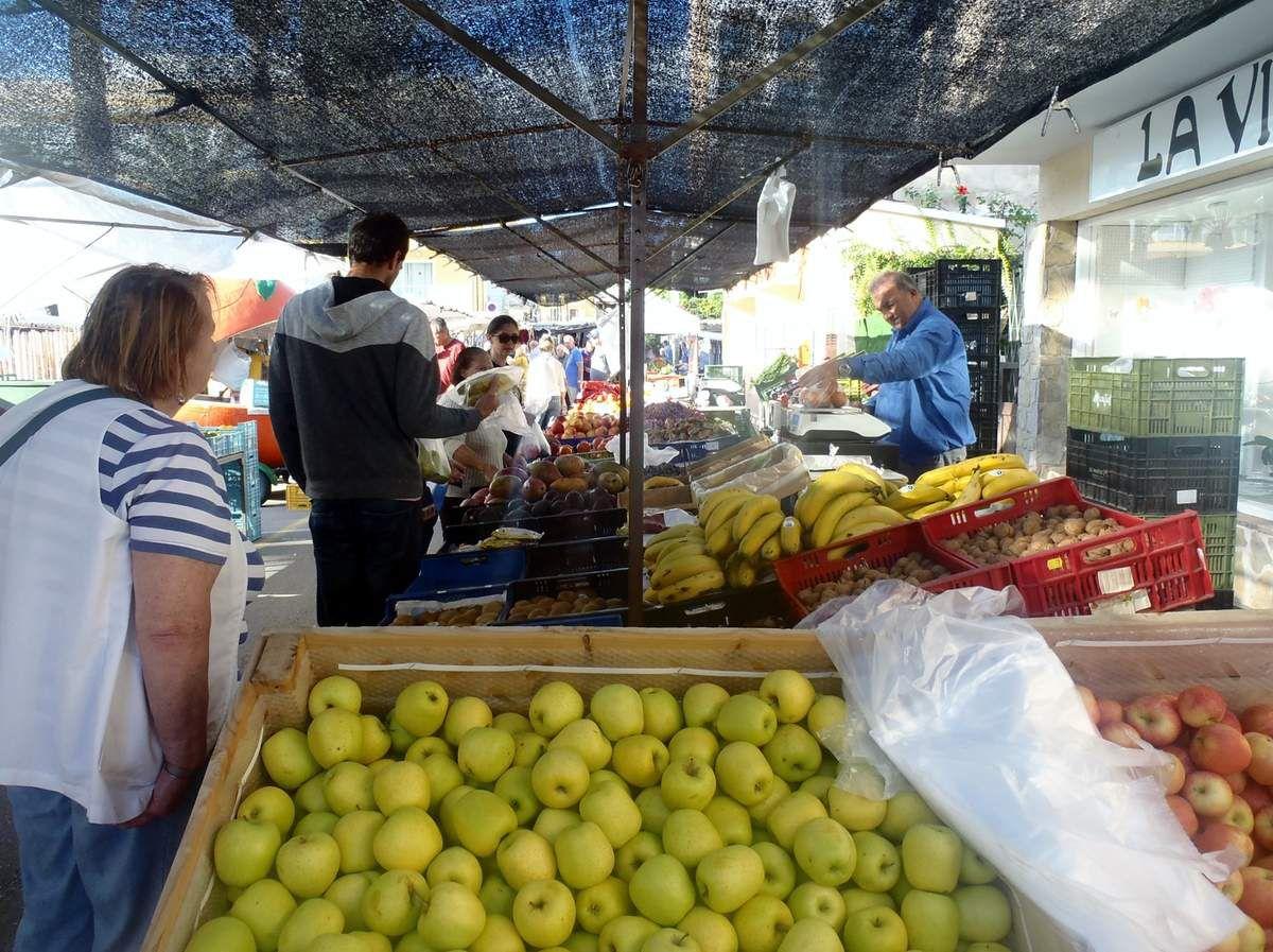 Auf dem Markt von Cala Ratjada