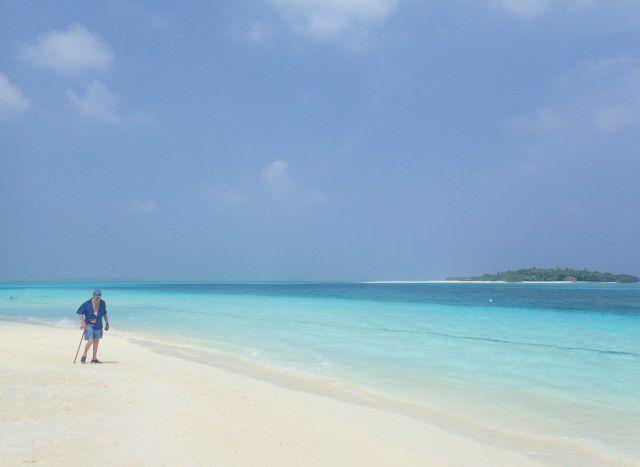 Imágenes de Islas: Maldivas, el mundo feliz de los atolones. Y Sri Lanka, antigua Ceylán.
