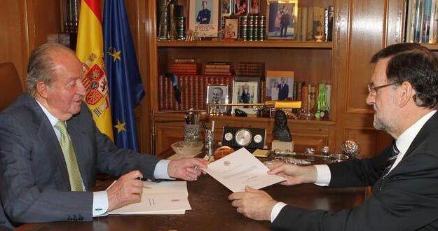 """ESPAÑA: Mientras que el """"emérito"""" Juanito -- amante de Barbara Rey -- no entre en la carcel tampoco lo haran """"los Pujol"""" -- """"Tranquilo Jordi tranquilo"""" -- ¿Qué hacemos con los sediciosos nacionalstas catalanes? -- De carcel nada son intocables -- Malditos sean --  Muere Jose Antonio Alonso, ministro de Defensa y del Interior con Zapatero -- Uno menos --  """"Analfabetos"""" y """"estúpidos"""", así llama Pérez Reverte a los diputados estalinistas de En Marea -- ¡¡Bravo por Don Arturo!! --"""