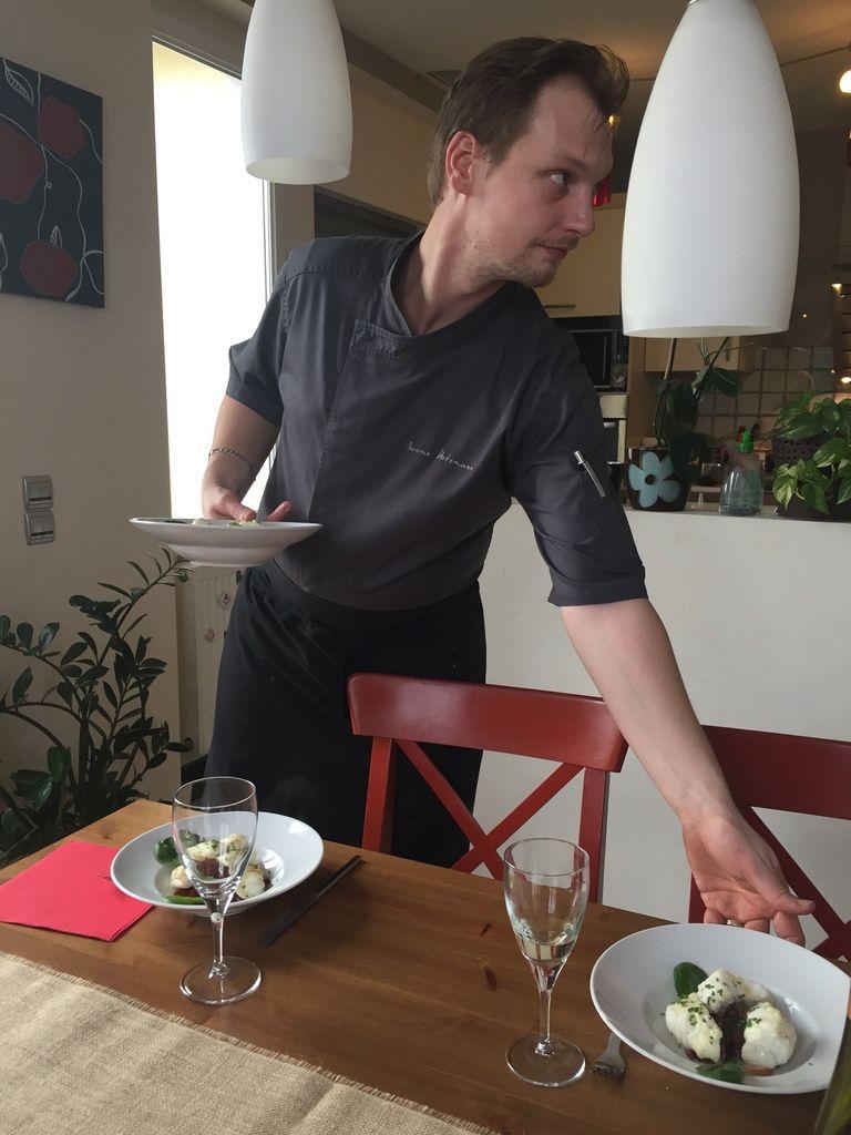 LeChef Jerome Hetzmann en cuisine