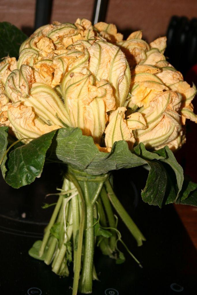 Beignets de fleurs de courgettes à la farine de châtaigne