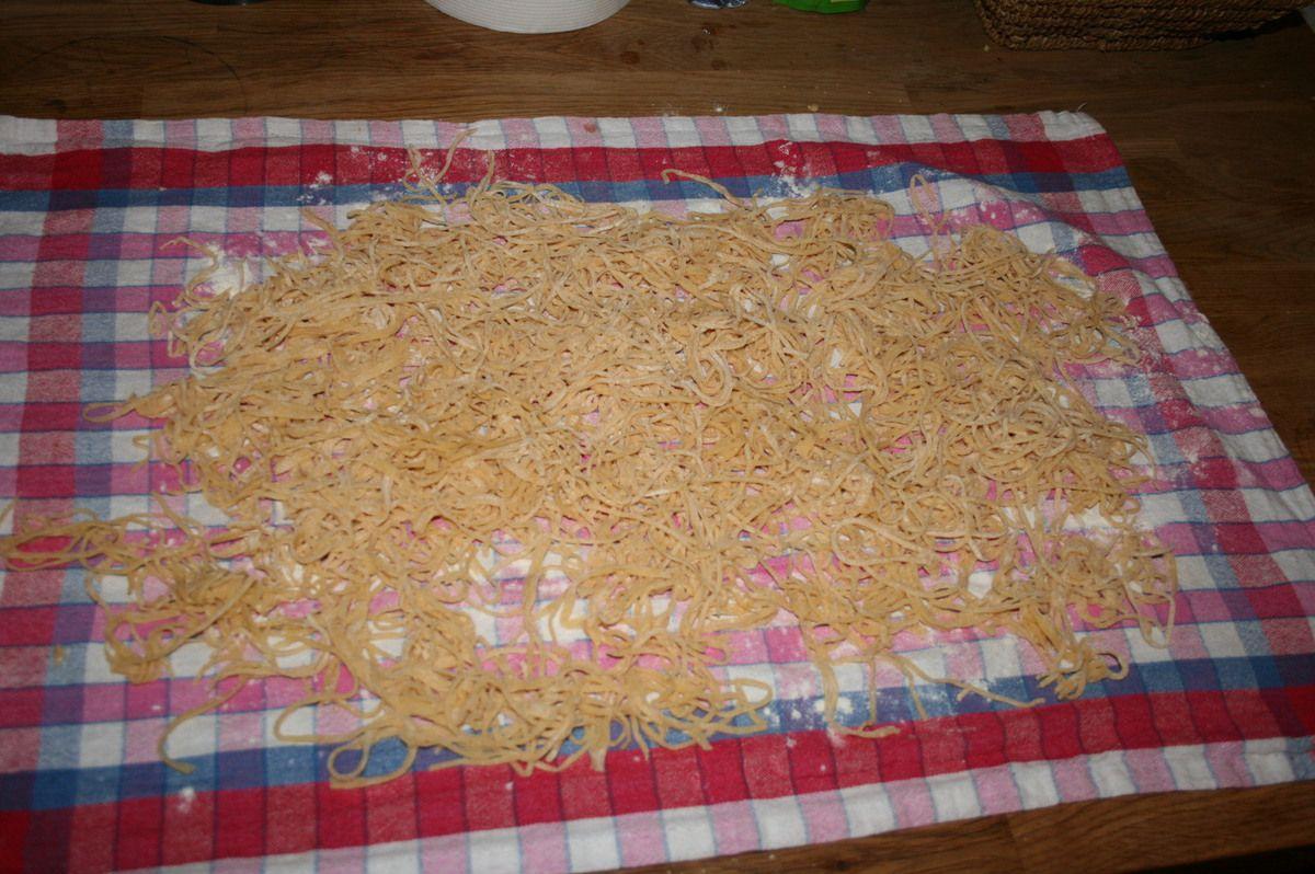 Nouilles fraîches au beurre salé - pâtes maison