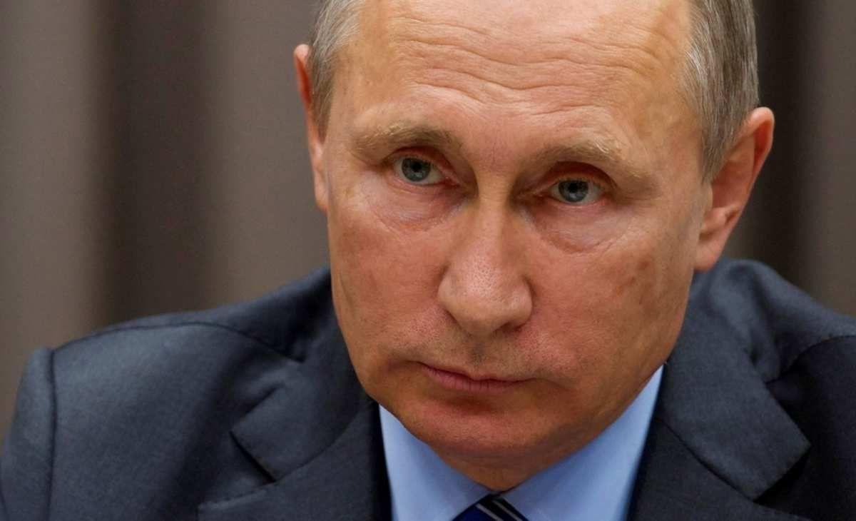 «Vœux macroniens pour un président russe: décryptage», par Bruno Adrie