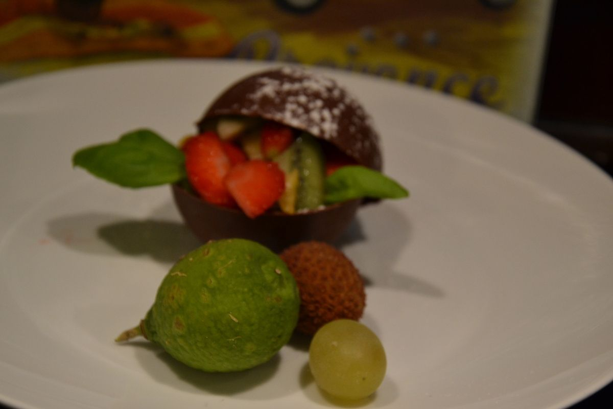 CORBEILLE DE CHOCOLAT AUX FRUITS DE SAISON