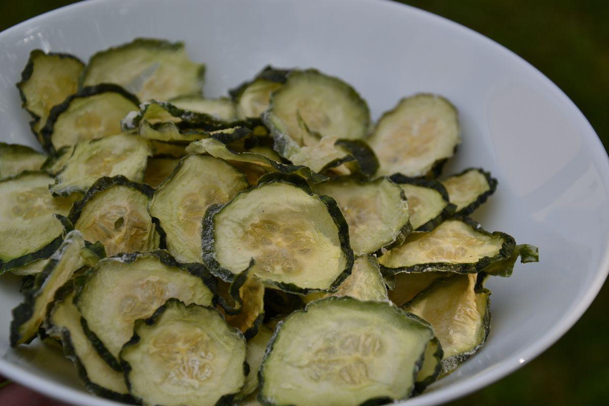 Chips de concombre au sel et vinaigre