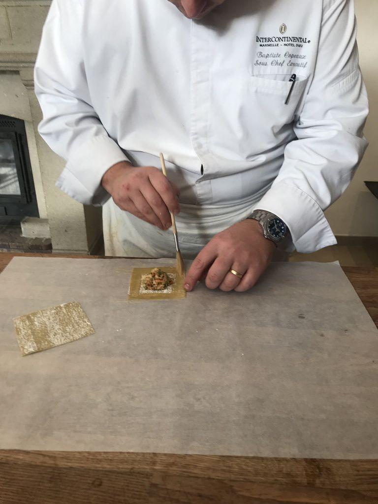 Ravioles de gambas et bisque à l'estragon