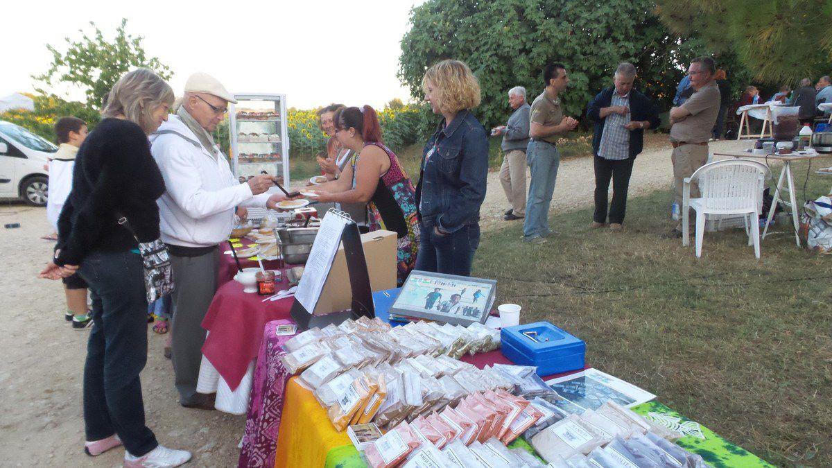 LES FILHOLS : MARCHE GOURMAND DES JEUNES AGRICULTEURS