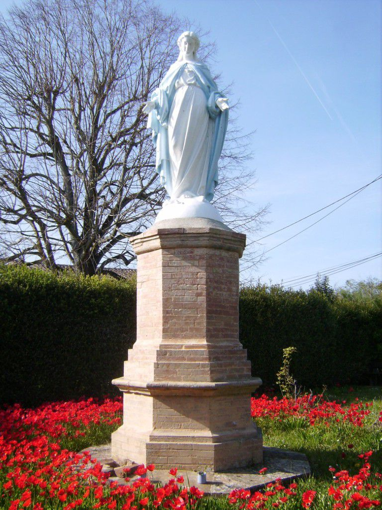 CASTELNAU D'ESTRETEFONDS - LA STATUE DE LA VIERGE AU CAPECH