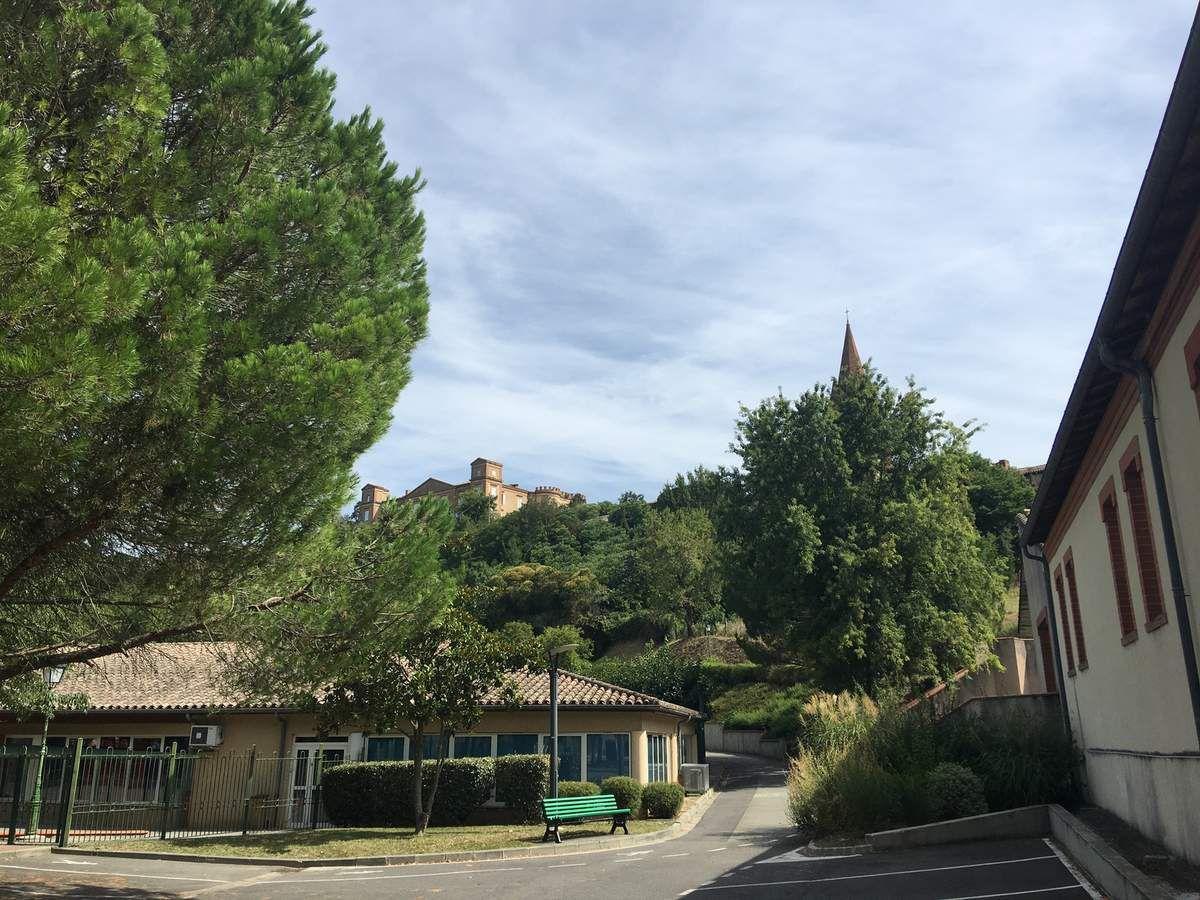 CASTELNAU D'ESTRETEFONDS L'UN DES PLUS BEAUX VILLAGES D'OCCITANIE