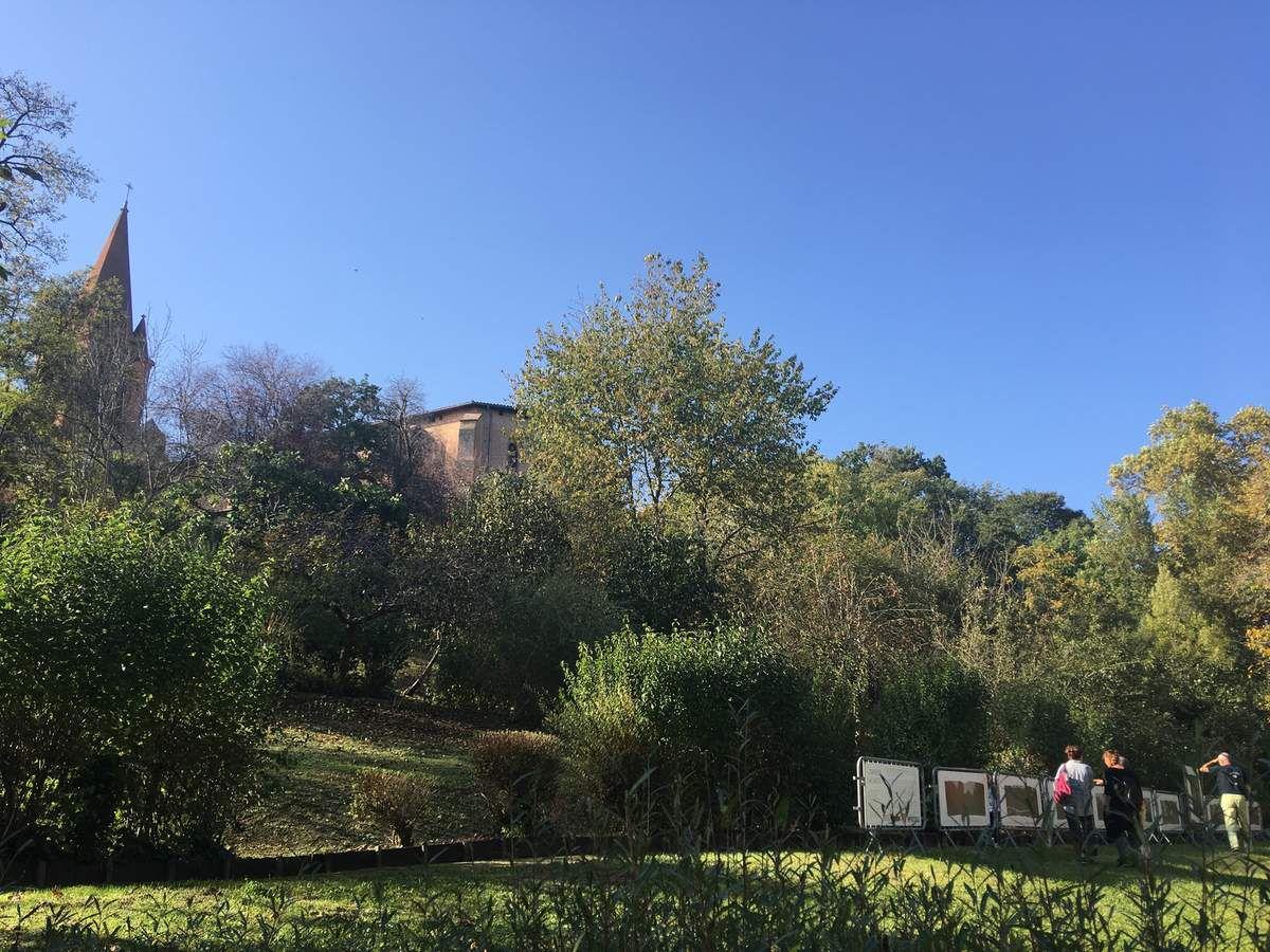 CASTELNAU D'ESTRETEFONDS - NOTRE VILLAGE COMPTE TROIS BOITES A LIRE
