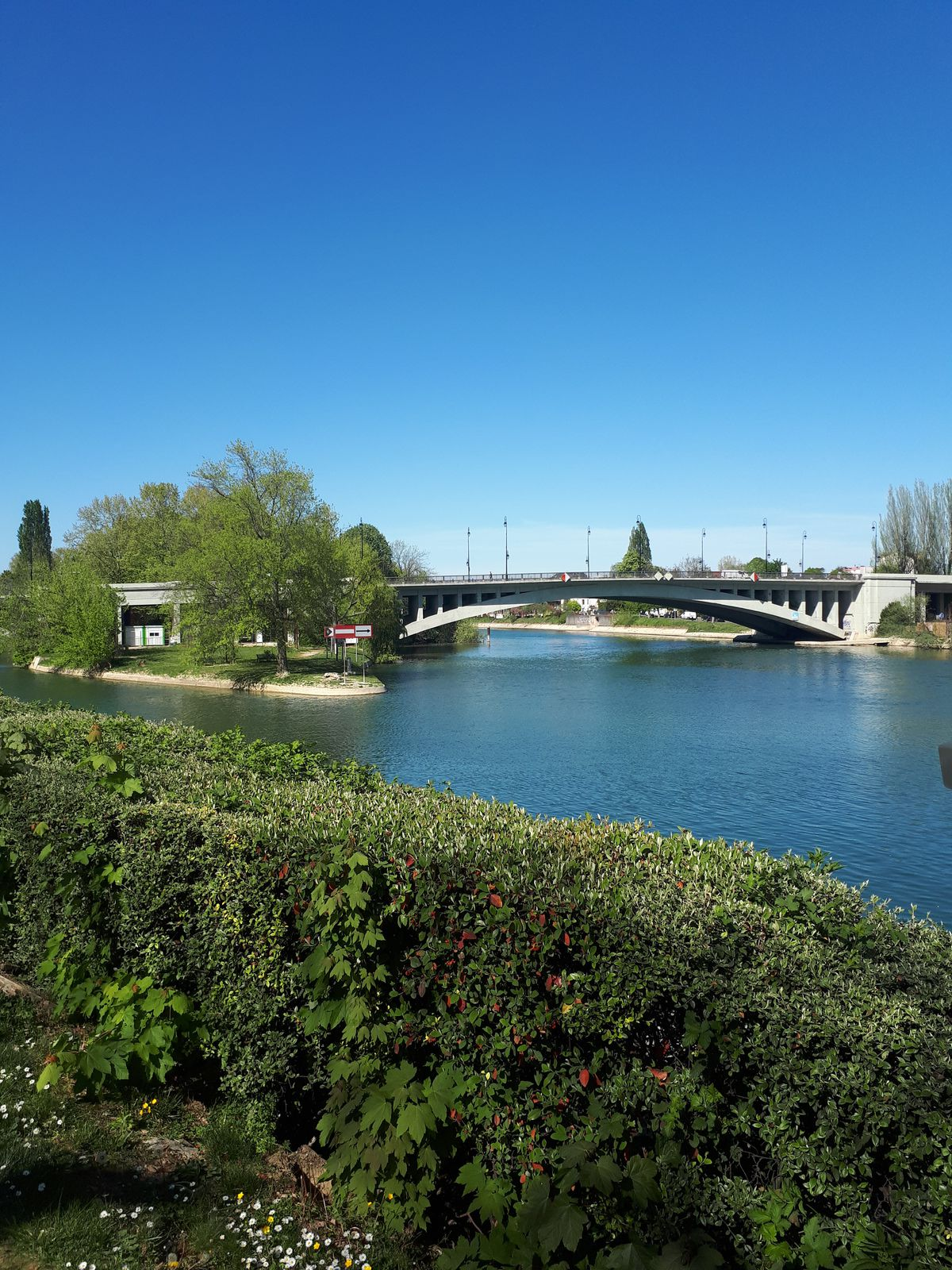 Joinville le pont en 2020. Bords de Marne.  Photo de  : © Eric Dubois