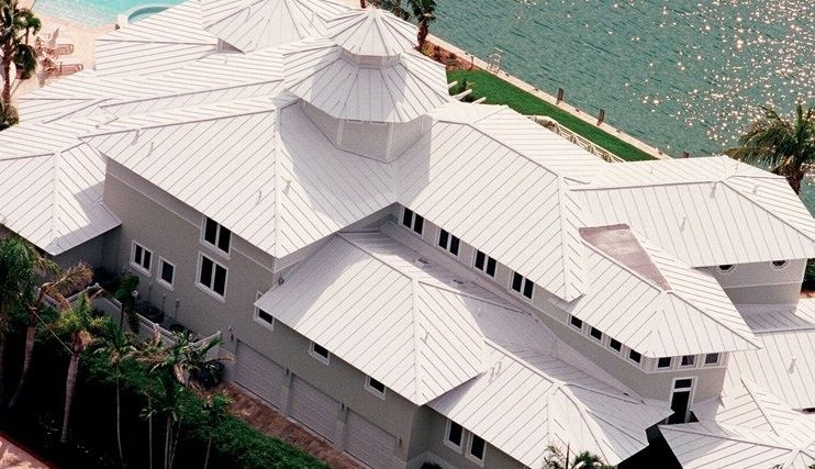 Choosing The Right Paint For Your Metal Roof