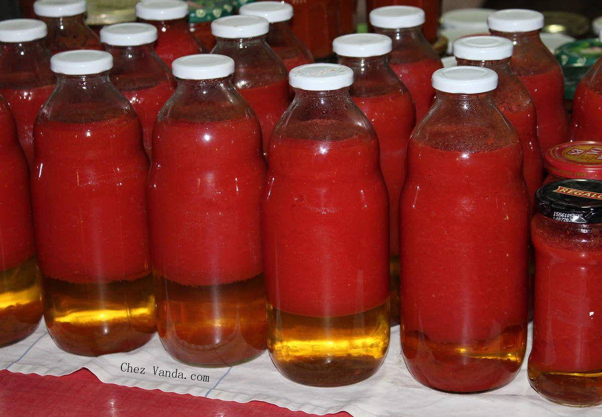 Jus de tomates après stérilisation et refroidissement