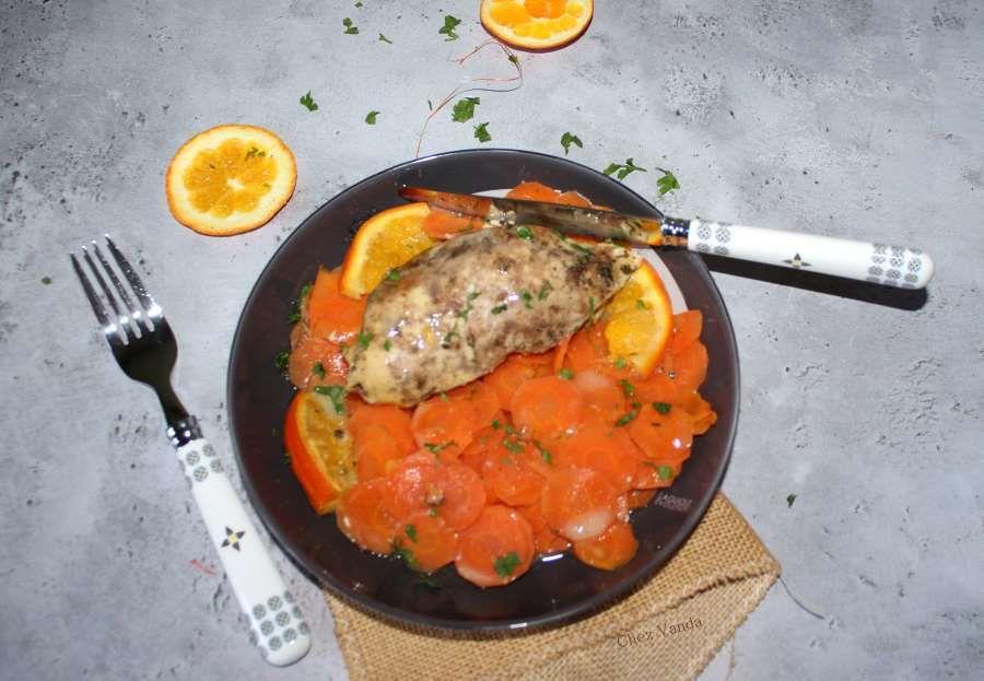 Blancs de poulet aux carottes et aux oranges à l'omnicuiseur