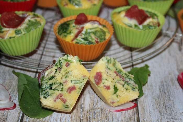 Muffins de fanes au jambon séché