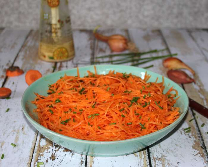 carottes râpées et sa vinaigrette au jus d'orange