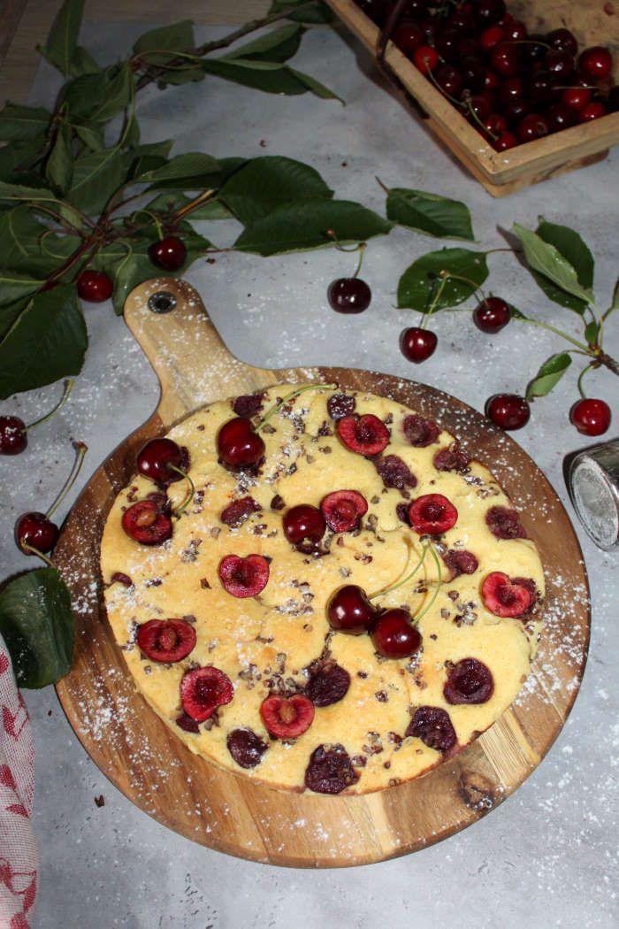 Gâteau rustique aux cerises et noix de pécan