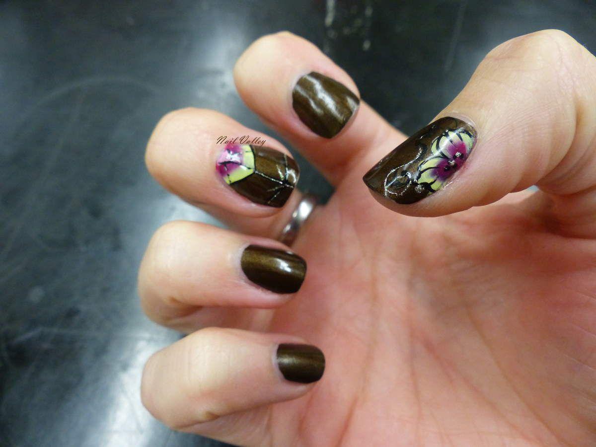 Nail art: Mandala et fleur hivernal