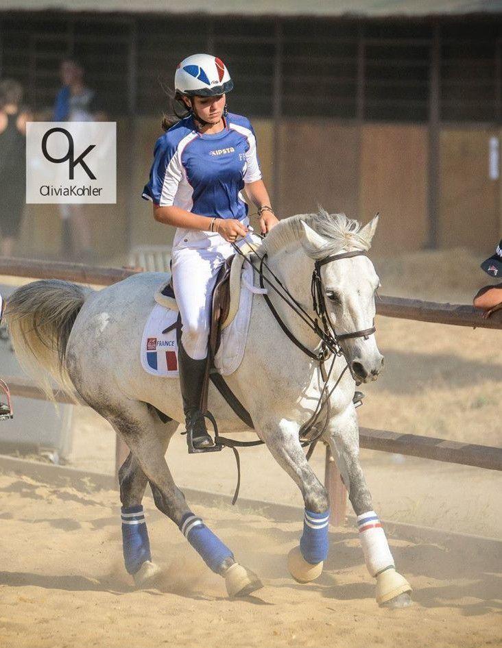 Julie LAGUERRE, passionnee de horse ball
