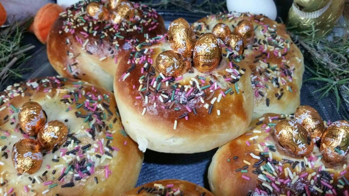 5 - Sortir les brioches du four ..... voilà de belles Monas de Pascua que vous pourrez déguster tièdes ou complètement refroidies !