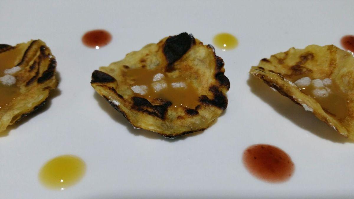 2 - Saupoudrer les tuiles de sucre glace ou les garnir de confiture, pâte à tartiner, Chantilly .... et déguster !