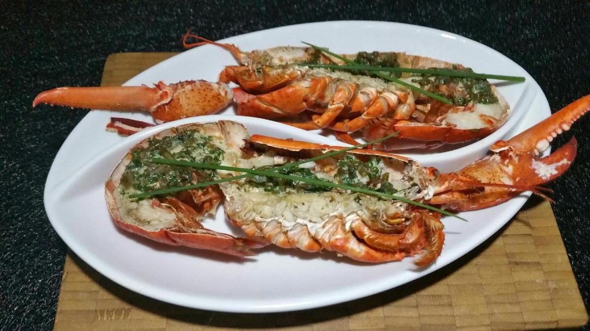homard au beurre d'herbes et salicorne