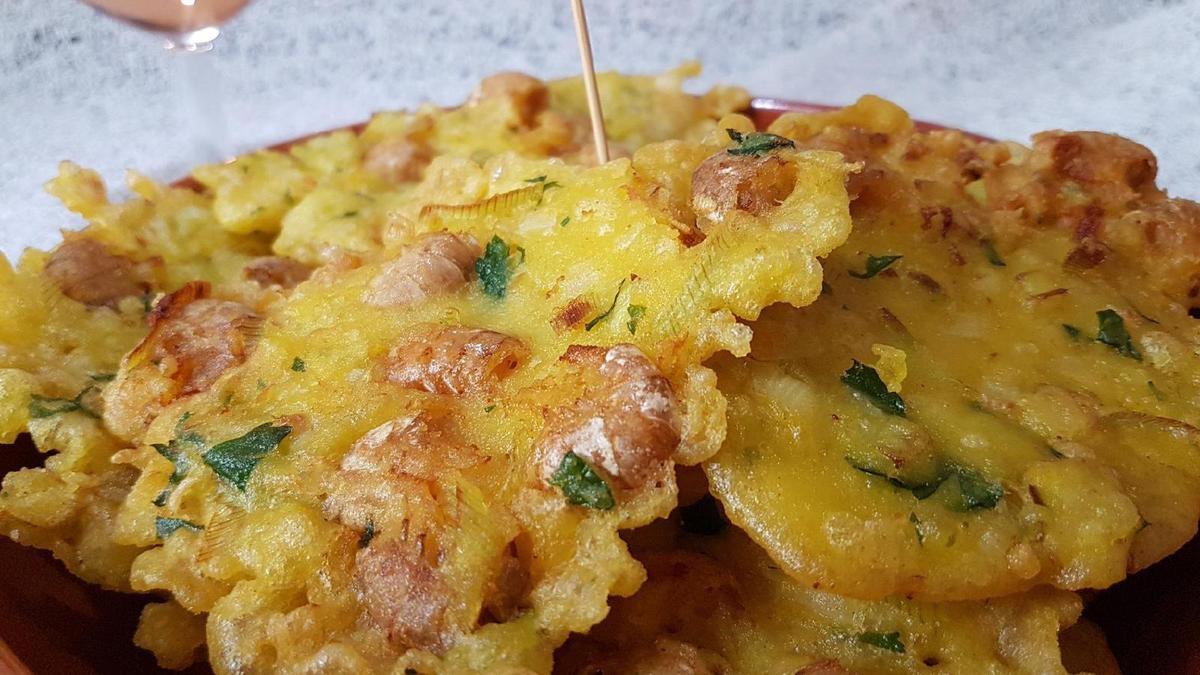 tapas de tortillas de camarones (galettes aux crevettes)