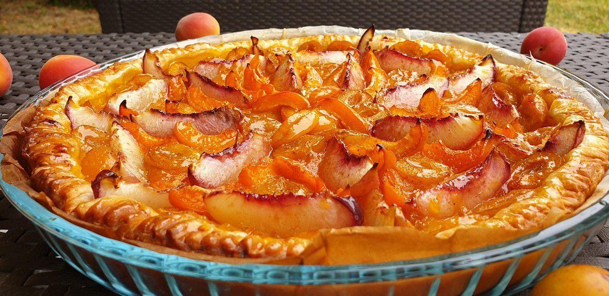 tarte feuilletée aux mirabelles, abricots et nectarines