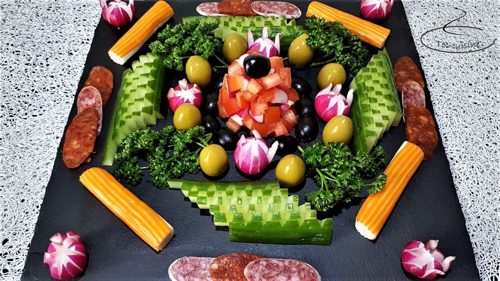découpe de concombre pour décoration de plats