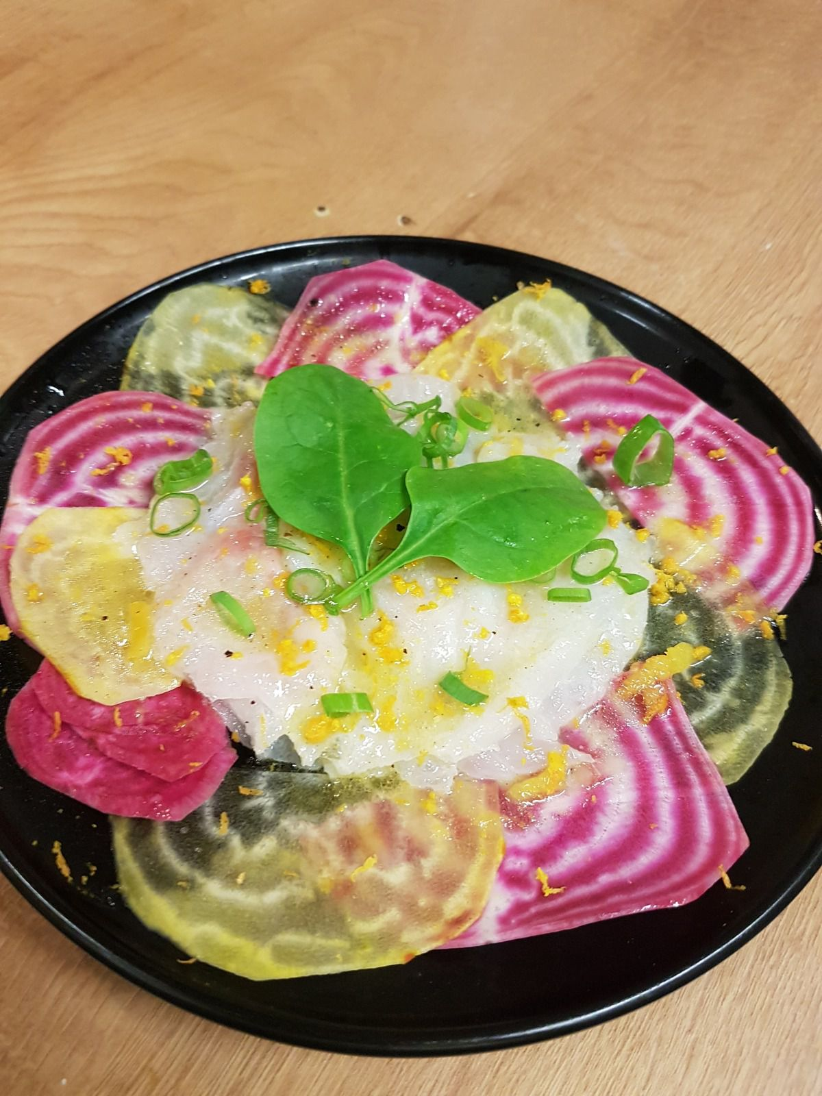 Carpaccio de Dorade et betteraves Schiogga