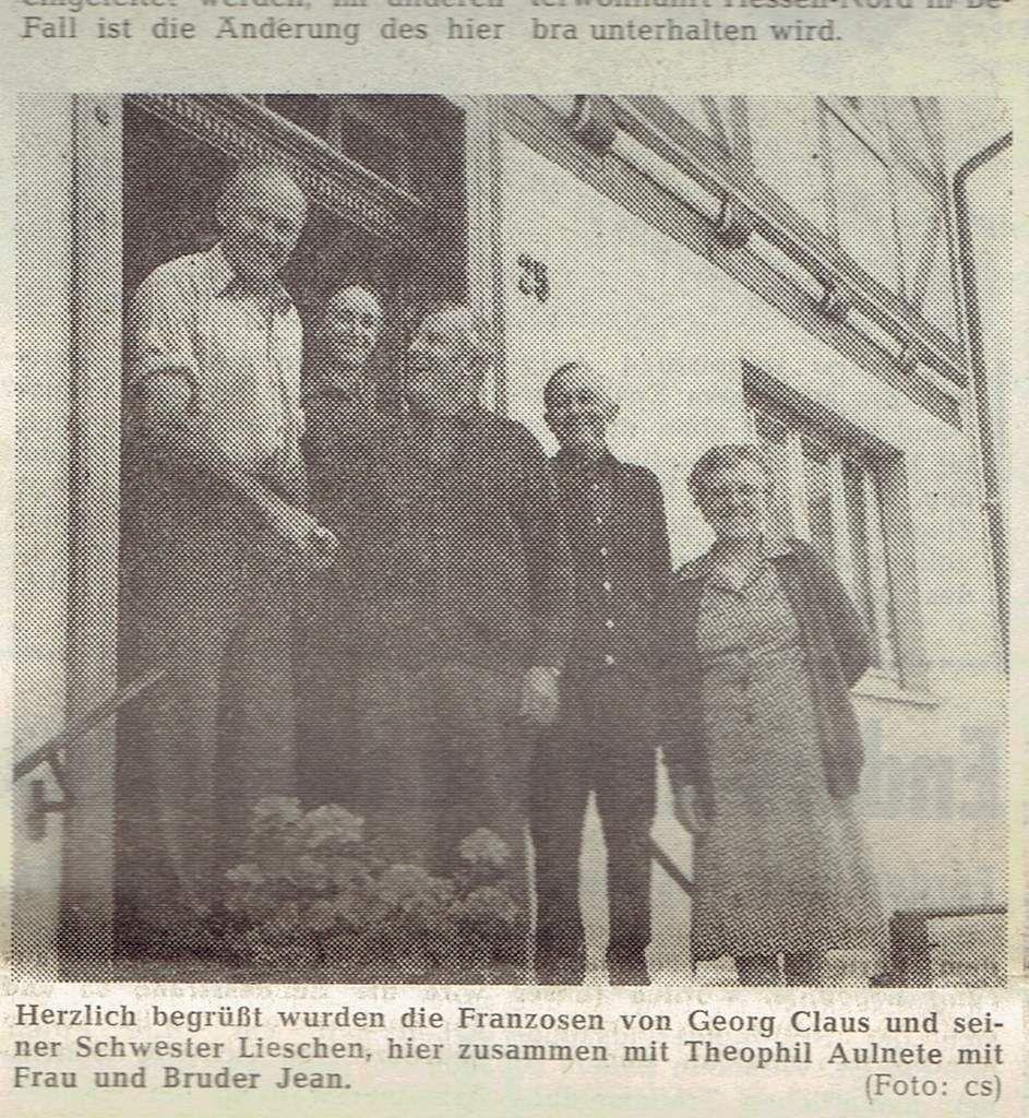 Le français Théophile Aulnette, avec sa femme et son frère Jean, sont chaleureusement accueillis par Georg Claus et sa sœur Lieschen