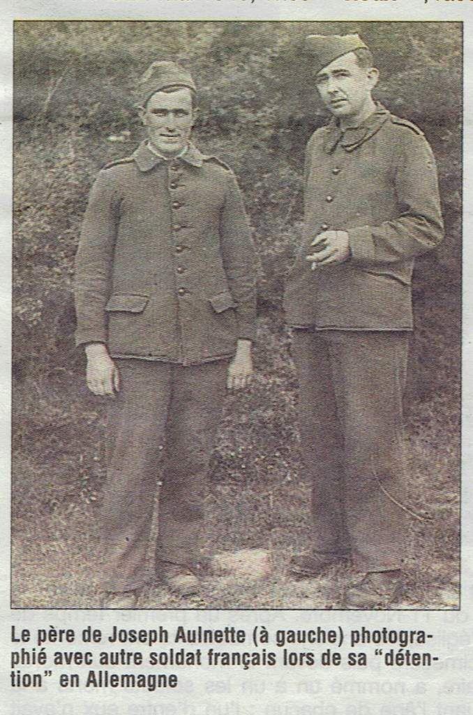 Le soldat français, à côté de Théo, c'est Pierre Charron de Bain de Bretagne. Les domiciles de Théo et Pierre ne sont distants que de 9 km et pourtant, avant la guerre, ils ne s'étaient jamais rencontrés. Ils ont fait connaissance seulement en 1943, plusieurs mois après leur arrivée au kommando de mine de cuivre de Brodberg à Sontra, où ils ont travaillé durant les 28 mois précédant leur libération.