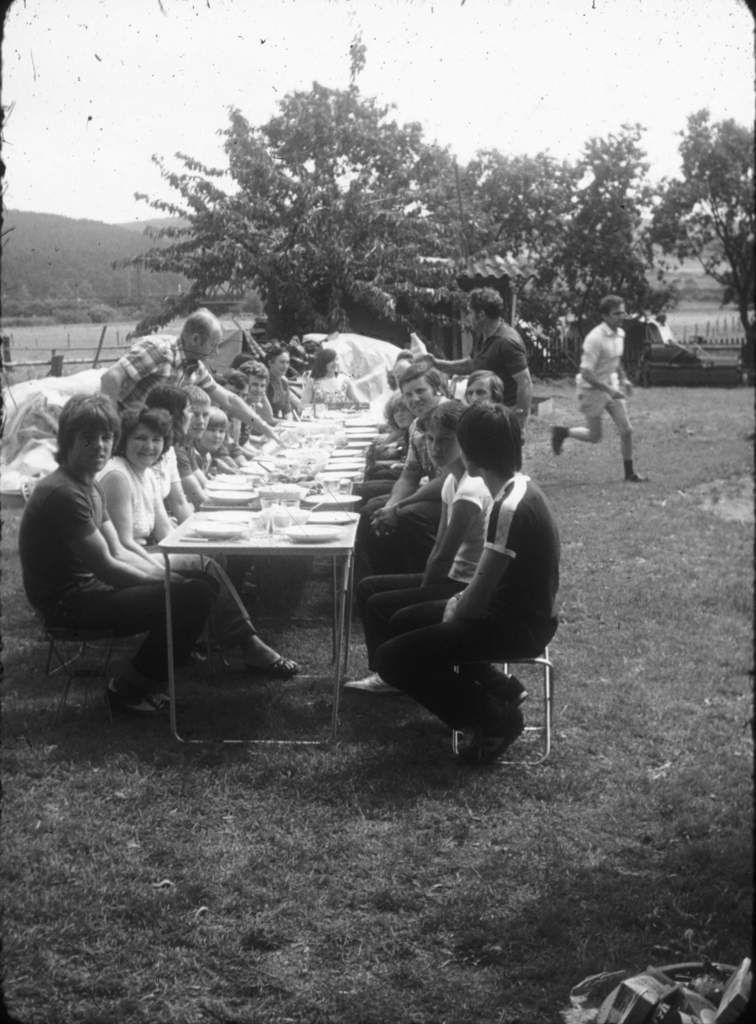 Mercredi 6 août 1980, à la ferme de Georg et Anna Claus.