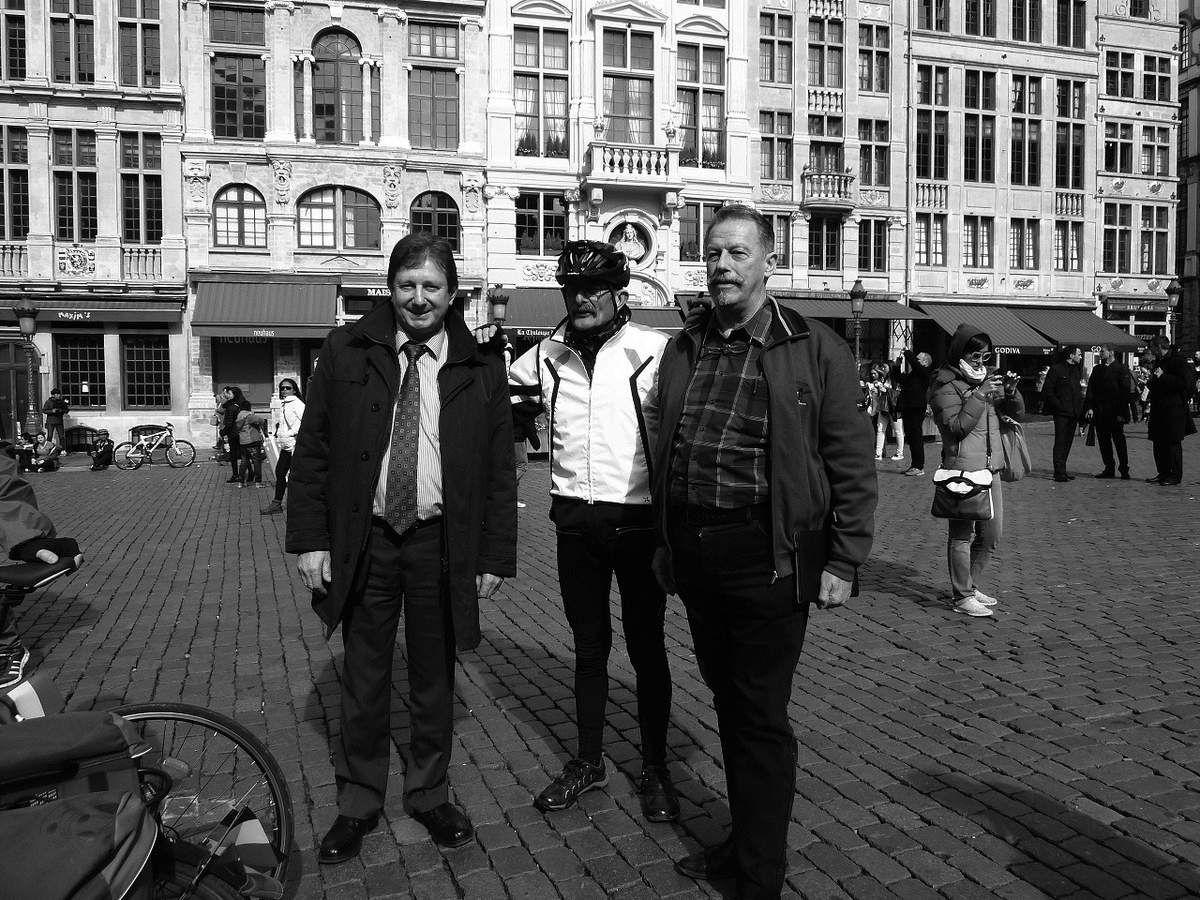 Daniel, Joseph et Alex à Bruxelles.