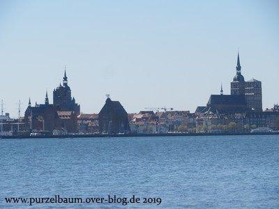 Blick auf die Hansestadt Stralsund von Altefähr aus
