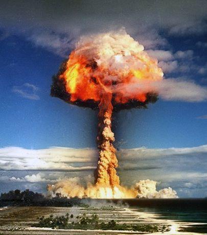 atome nucléaire bombe terreur Paix Anarchisme