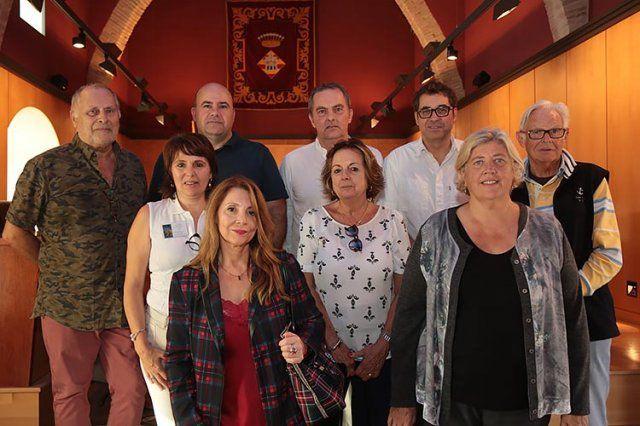 Foto de grupo Artistas de la Sala Gòtiga en el Convent de Sant Domenec.
