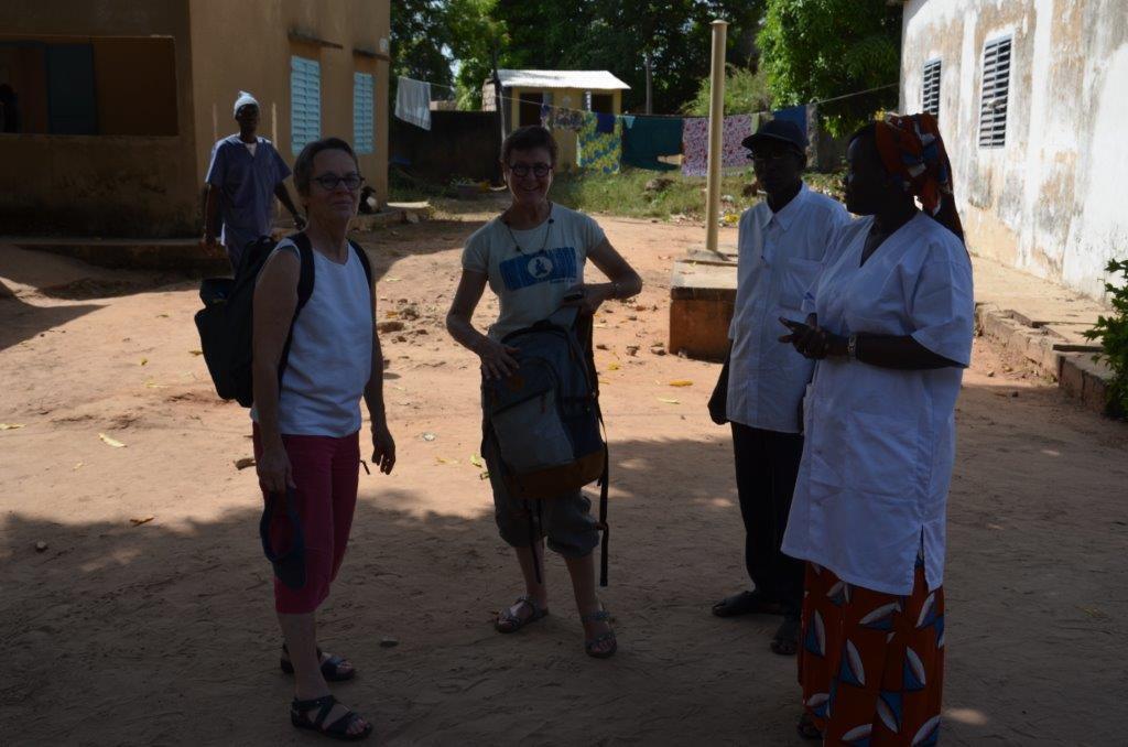 Rencontre avec Mme Adioka, infirmière, chef du poste de santé