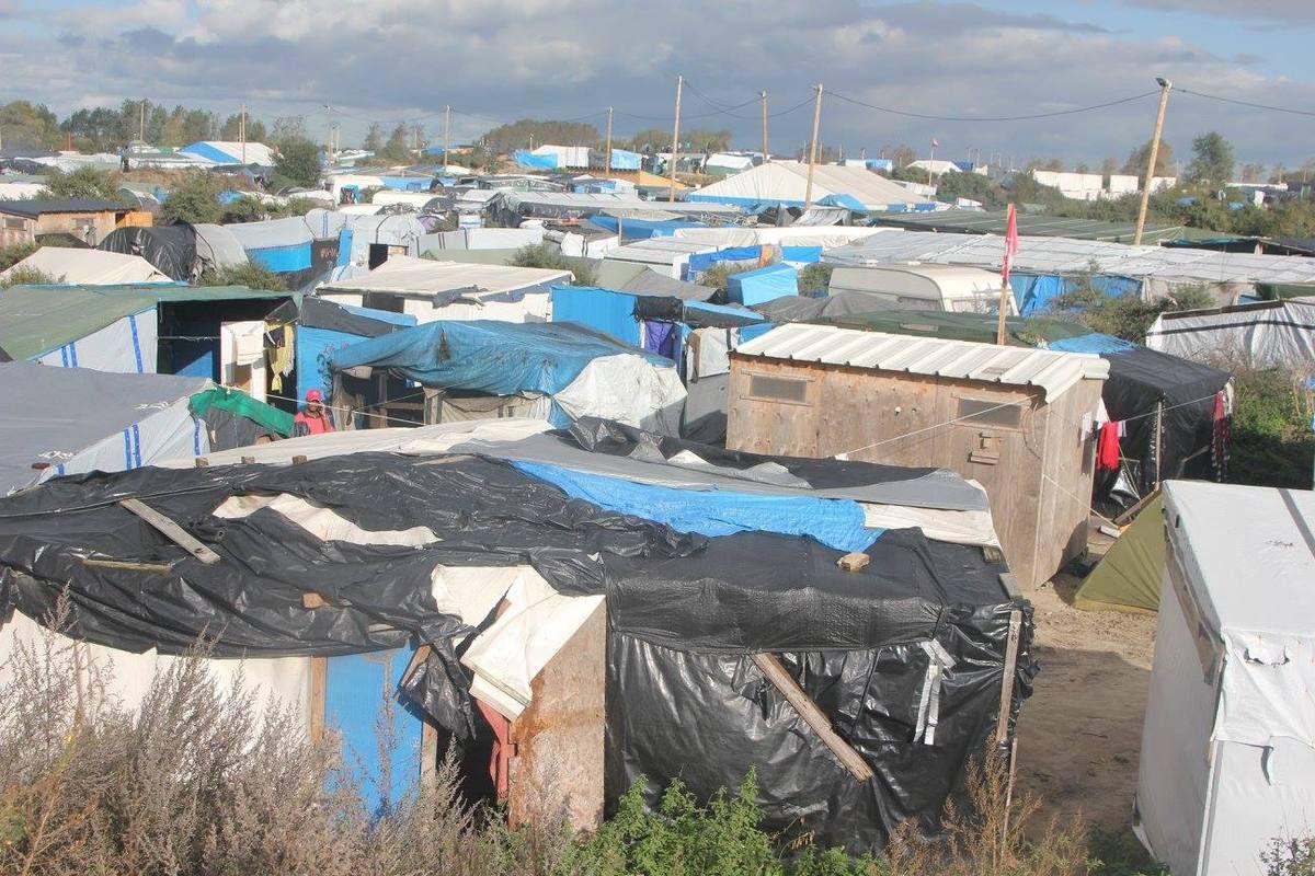 Visite du camp des migrants, majoritairement d'origine Africaine, dans la Jungle de Calais. 10/2016.