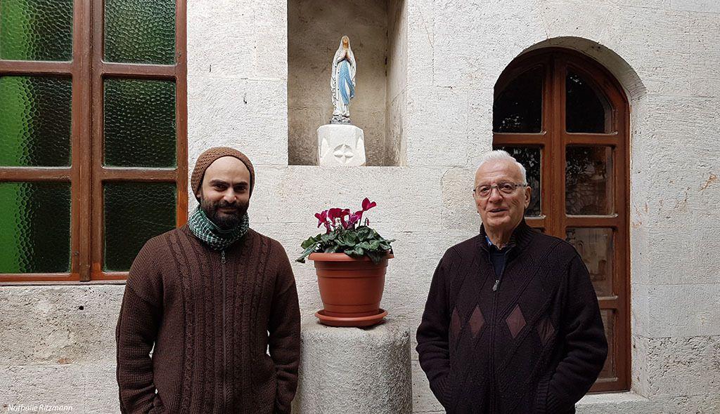 Le père Paolo et le père Domenico de l'église catholique d'Antioche