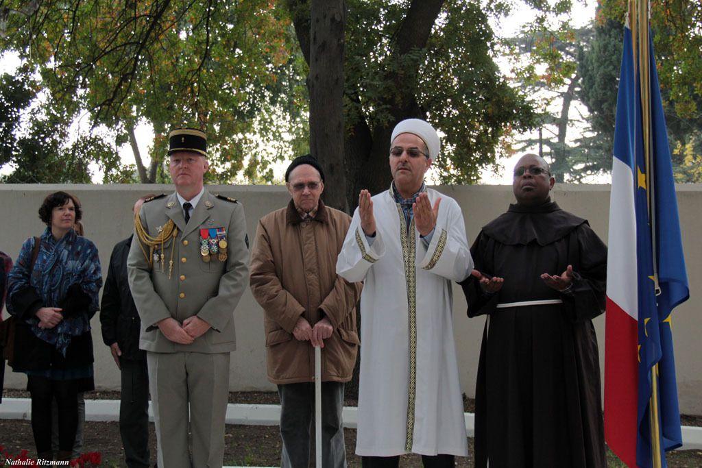 Al Fatiha récitée par l'imam Osman Gökrem à la cérémonie de l'Armistice 2017 à Istanbul