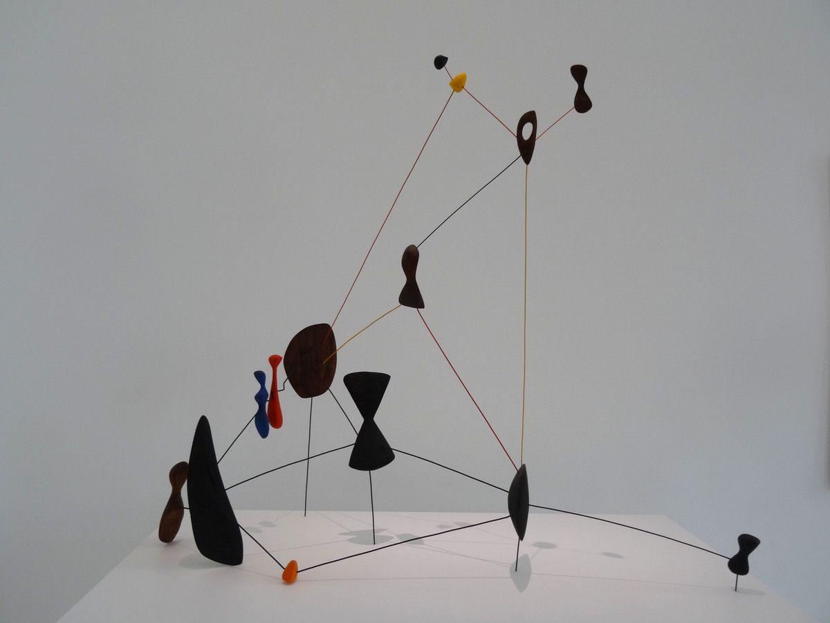 Calder - Constellation - bois, fil de fer, peinture - 1943