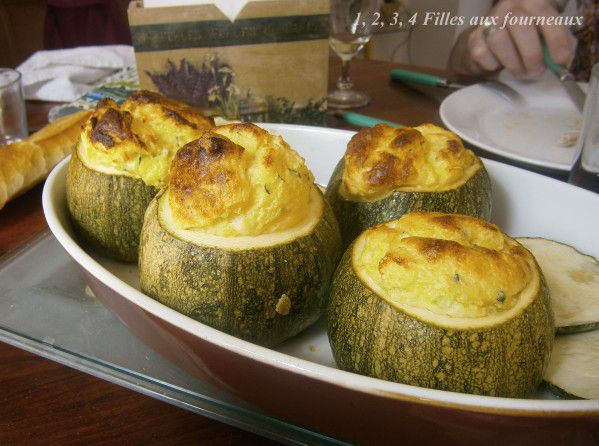 courgettes rondes soufflees au fromage cheddar, souffle courgette fromage, souffle courgette, souffle fromage, souffle legumes, legume farci au souffle