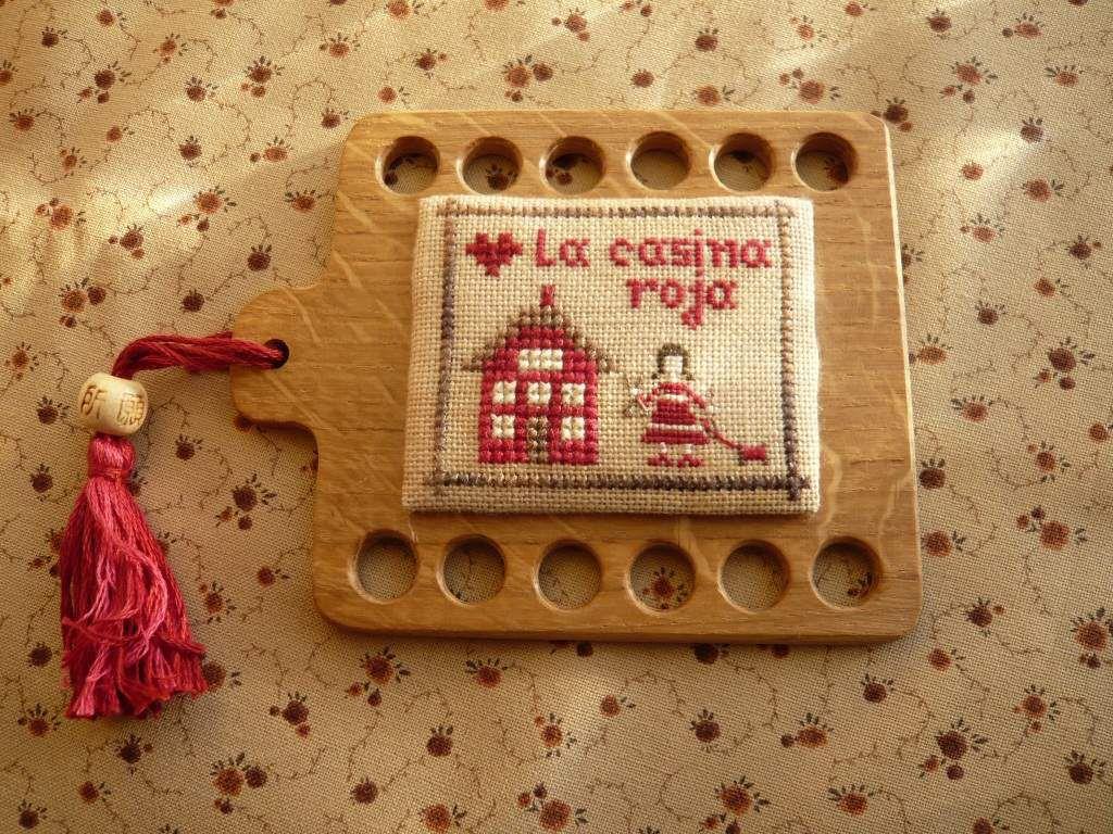 Tutorial: decorar con un bordado un hornbook o un organizador de hilos