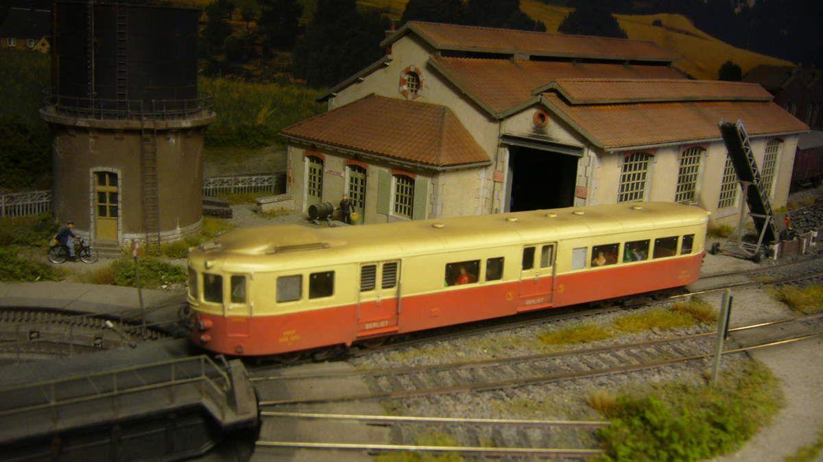 912 Atlas berliet motorisé, digitalisé, patiné + éclairage voyageurs