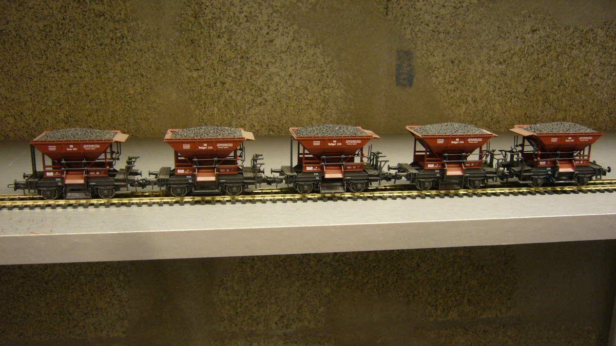 229 cinq wagons trémies talbot Roco