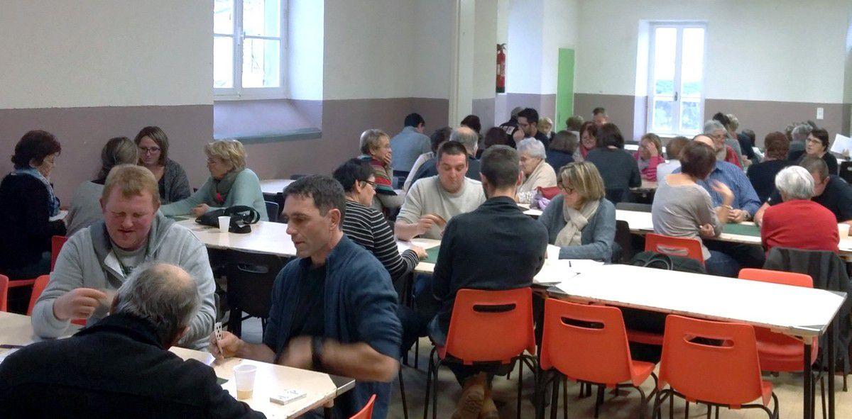 Les gagnants du concours de belote du Sou de l'École publique de Vernosc-lès-Annonay