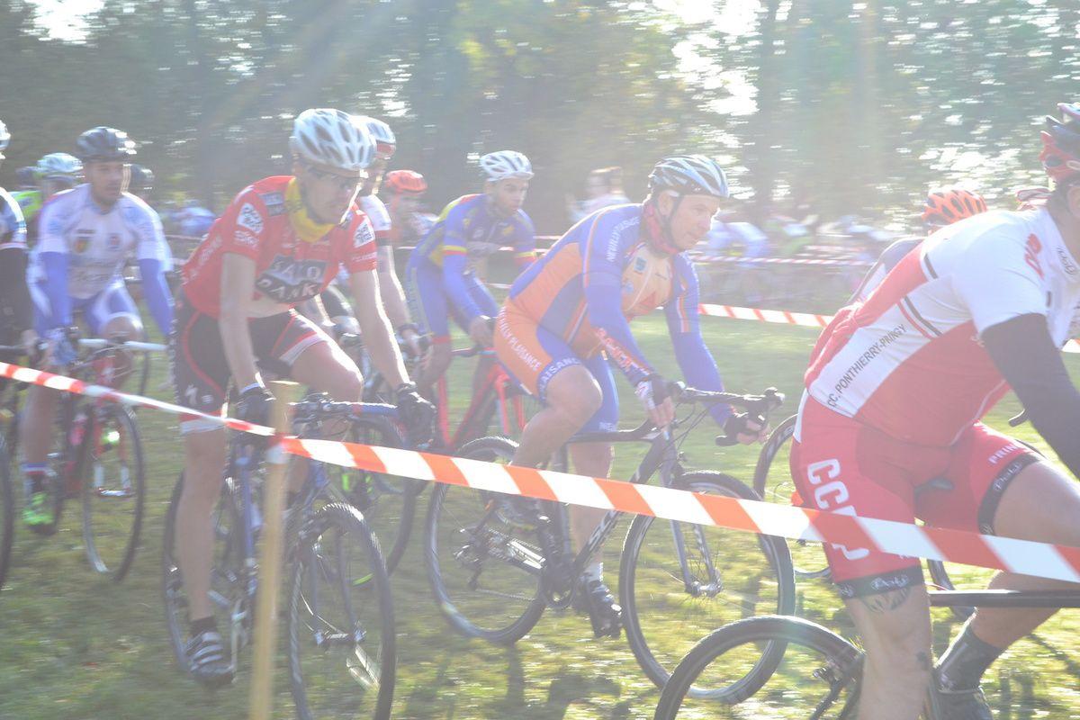127 PARTANTS en Départemental : record personnel pour un cyclo-cross depuis 42 ans.